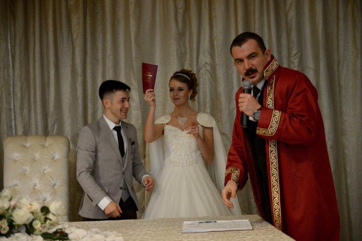 """Eskişehir'de 15 çift, nikahlarını """"02.02.2020""""de kıydırdı"""
