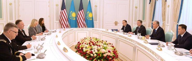 Kazakistan Cumhurbaşkanı Tokayev, ABD Dışişleri Bakanı Pompeo'yu kabul etti