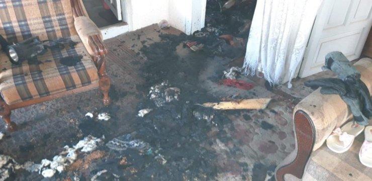 Yaşlı adam yanan evinde ölü bulundu