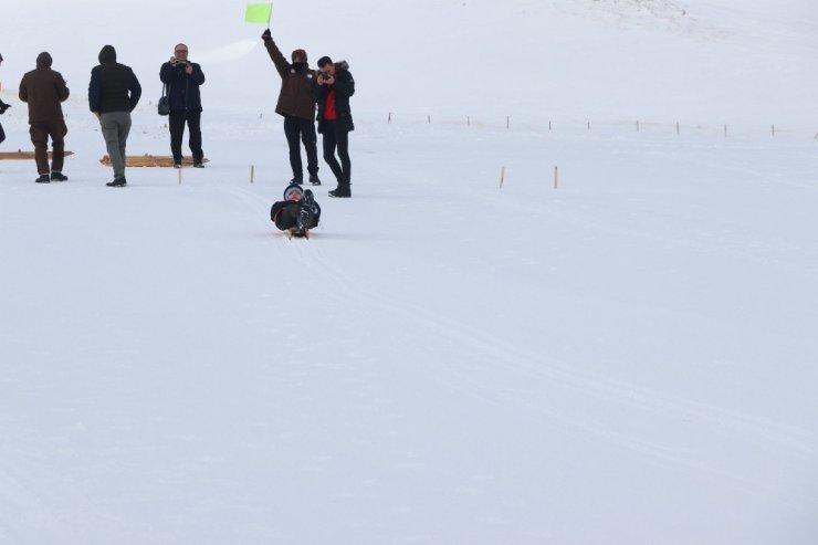 Geleneksel Kızak yarışları Erciyes'te yapıldı