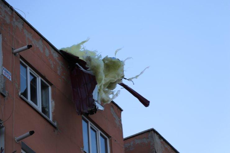 GÜNCELLEME - Denizli'de şiddetli rüzgar etkili oluyor