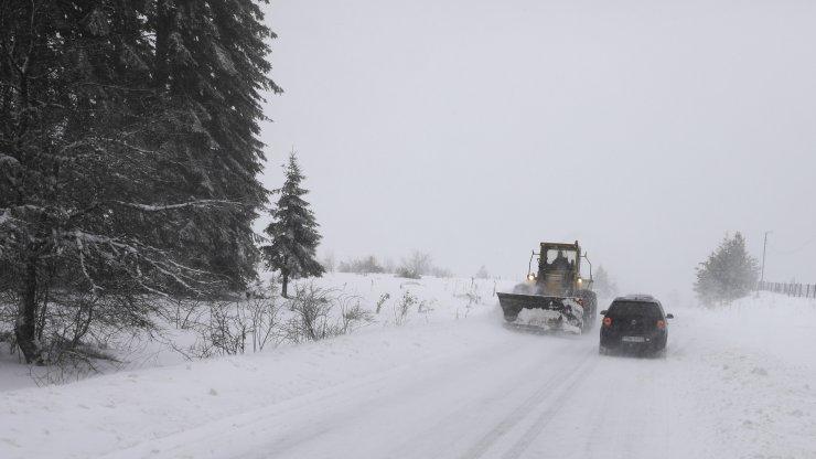 Fırtına ve kar yağışı Bosna Hersek'te hayatı olumsuz etkiliyor