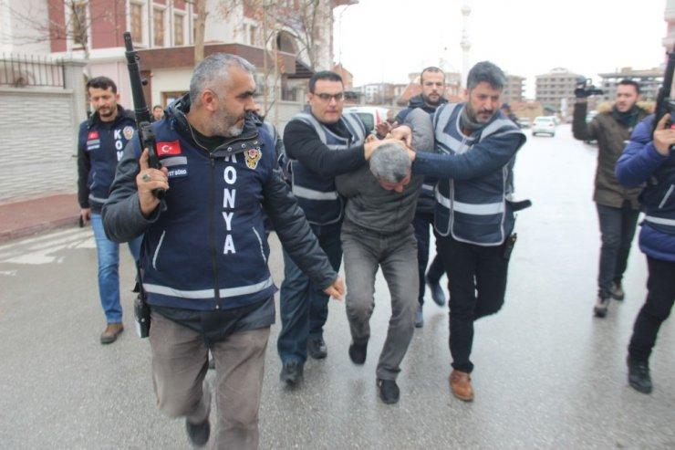16 yıl hapis yattı, 4'üncü cinayet sonrası kaçtığı ülkeden Türkiye'ye gelirken yakalandı