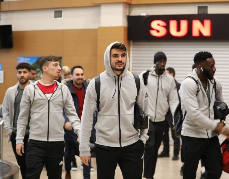 Demir Grup Sivasspor kafilesi Trabzon'da