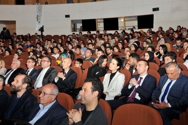 7.-dilek-sabanci-tiyatro-festivali--(5).jpg