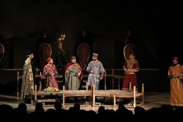 aksehirde-osmancik-isimli-tiyatro-oyunu-sahnelendi-(5)-001.jpg