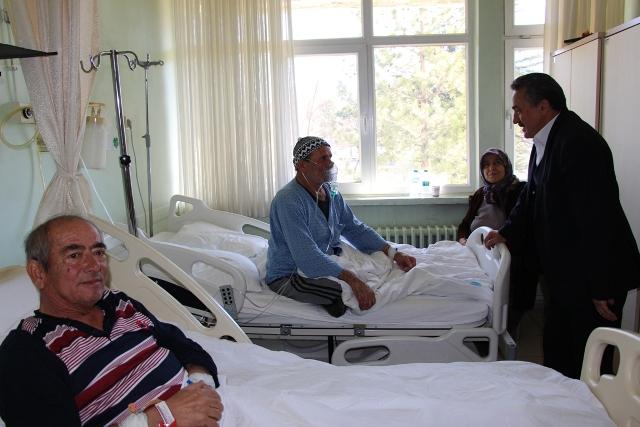 baskan-tutaldan-hastalara-moral-ziyareti--(3).jpg