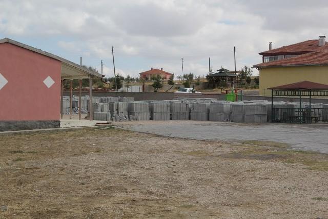 cihanbeyli-belediyesinden-sereflikochisar'a-altyapi-destegi--(2).jpg