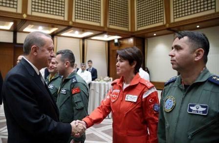 cumhurbaskani-erdogan-konyali-pilotlari-agirladi-(2).jpg