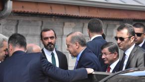 erdogan-cuma-namazini-davutoglu-ile-birlikte-kildi-8857537_6488_300.png