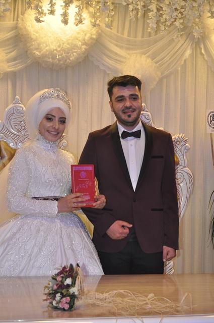 fatma-ile-bahadir-evlendiler--(1)---kopya---kopya.jpg