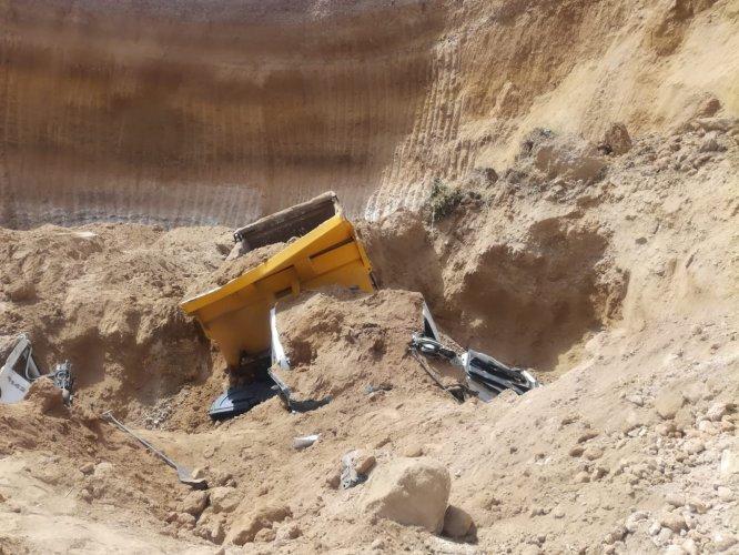 maden-sahasinda-toprak-kaym-(2).jpg