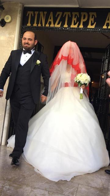 merve-ile-emre-evlendiler--(4).jpg