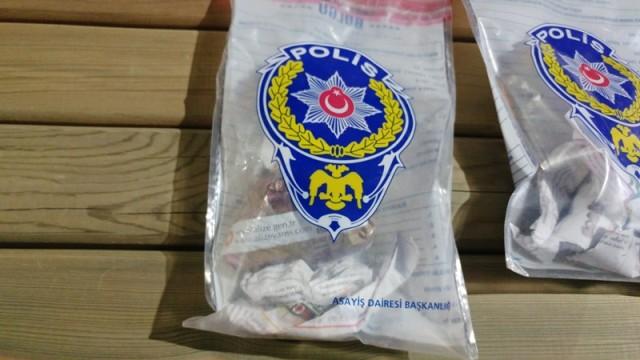 polisten-kacan-supheliler-kovalamaca-sonucu-yakalandi-polisten-kacan-supheliler-kovalamaca-sonucu-yakalandi--(3).jpg