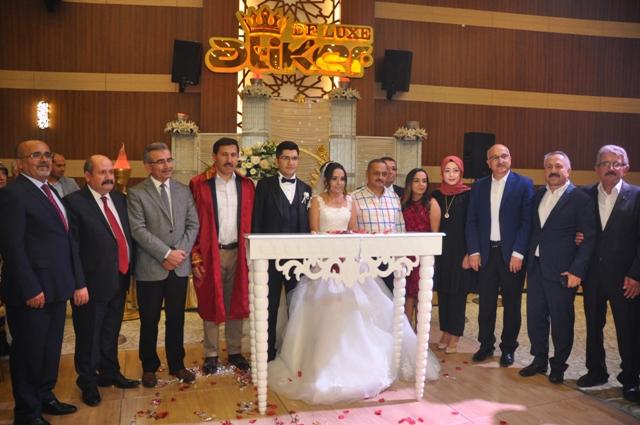 seda-ile-mehmet-alp-evlendiler-seda-ile-mehmet-alp-evlendiler--(2).jpg