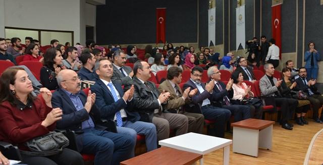 selcuk'ta,turkiye'de-bilim-akademisi-gelenegi-anlatildi--(2).jpg