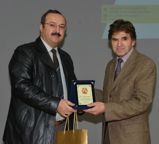 selcuk'ta,turkiye'de-bilim-akademisi-gelenegi-anlatildi--(3)-001.jpg