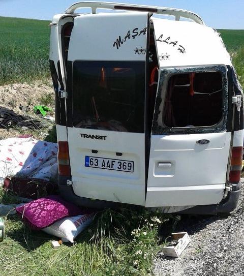 tarim-iscilerini-tasiyan-minibus--(1).jpg