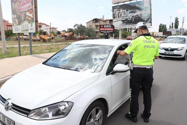 trafik-kural-ihlalleri--(3).jpg