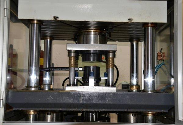 yerli-hidro-sekillendirme-presi-(12)-001.jpg