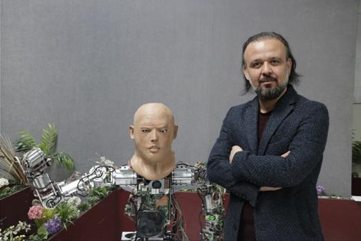 yerli-robotlar-arasinda-teknoloji-sohbeti-(1).jpg
