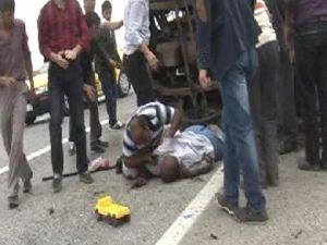 Tarım işçilerini taşıyan kamyonet devrildi: 2 ölü, 10 yaralı - KONYA