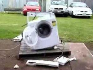Çamaşır makinesine demir atılırsa?