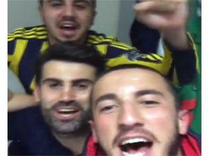 Fenerbahçeli futbolculardan galibiyet şarkısı