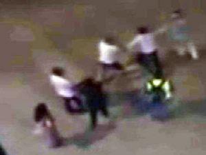 5 kişi tarafından ölesiye dövüldü