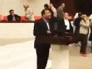 Bekir Bozdağ darbe gecesi Meclis'ten darbecilere meydan okudu