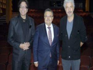 Behzat Uygur: Tiyatro, dizi sektörünün arkasında kalmaz