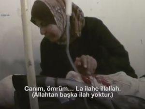 """Suriyeli anne ölmek üzere olan oğlunu böyle uğurladı """"La ilahe illallah de annem"""""""