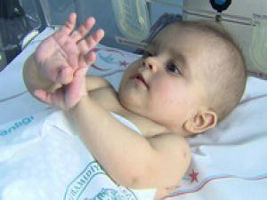 Hastanede 12 aydır nakil bekliyor.