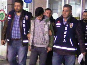 Kendilerini uyaran iki genci bıçaklayan Suriyeliler yakalandı