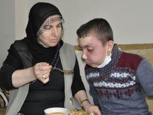 15 yaşındaki Sedat yardım bekliyor