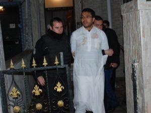 İstanbul Fatih'te vatandaşları tehdit eden Mısırlı şüpheli polisi alarma geçirdi