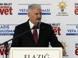"""Başbakan Yıldırım: """"Meclis'te kıyamet koparan CHP birden kuzu oldu"""""""