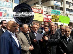 Hüsnü Bozkurt'u böyle protesto ettiler
