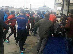 Başakşehirsporlu futbolculardan gazetecilere meydan dayağı
