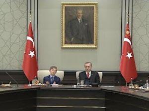 Cumhurbaşkanı Erdoğan, koltuğu devretti