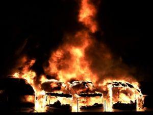 Yolcu otobüsleri alev alev yandı!