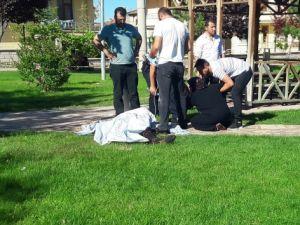Çocuğuyla gittiği parkta bıçaklanarak öldürüldü