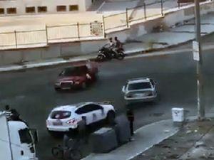 Cadde ortasında drift yapan magandalar tehlike saçtı