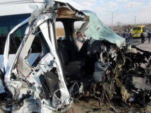 Batman'da feci kaza: 10'u öğrenci 15 yaralı