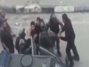 İsrailli askerler, Filistinli çocukları gözaltına aldı