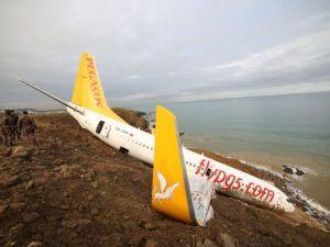 Pistten çıkan uçak havadan görüntülendi