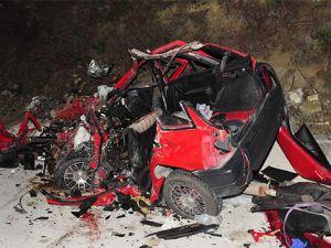 Antalya'da feci kaza: 3 ölü, 12 yaralı