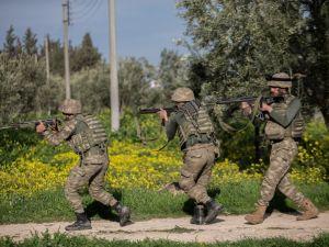 Türk Komandoları Afrin'de destan yazıyor