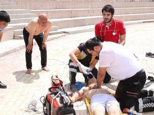 Karaman Belediye Başkanı gölette boğulan çocuğun hayatını kurtardı