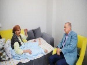 Cumhurbaşkanı Erdoğan, kanser hastası kadının isteğini kırmadı